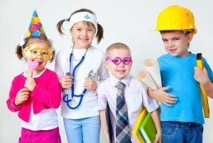 Дети в разной униформе