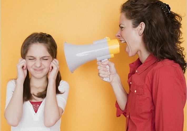 заполнять может ли мать постоянно орать матом на ребенка украли