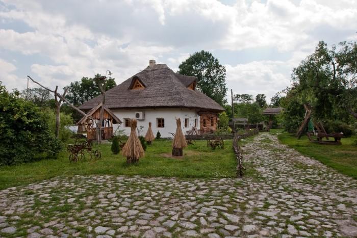 Село Великие Сорочинцы