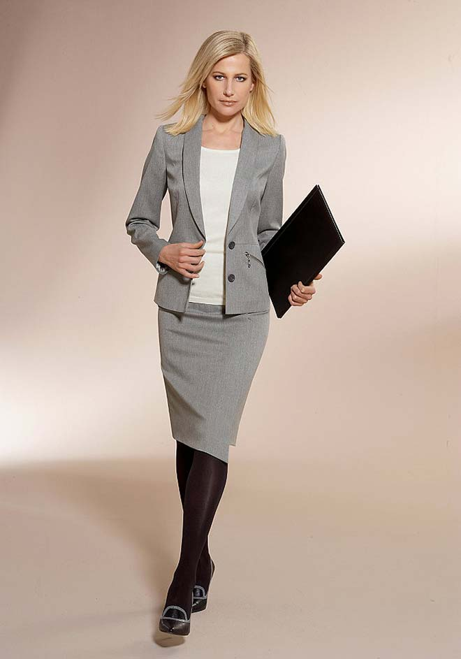 Женские классические костюмы с юбкой