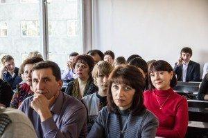 Родители в школе за партами