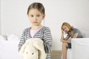 Безразличный ребёнок и недовольная мама