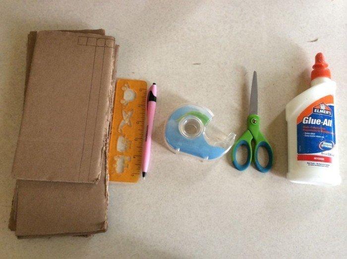 Картон, ножницы, клей, линейка, карандаш и скотч
