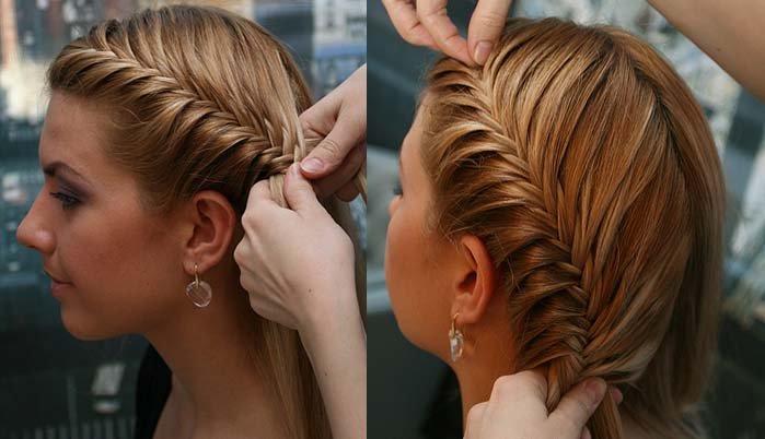 Девочке плетут косу сбоку