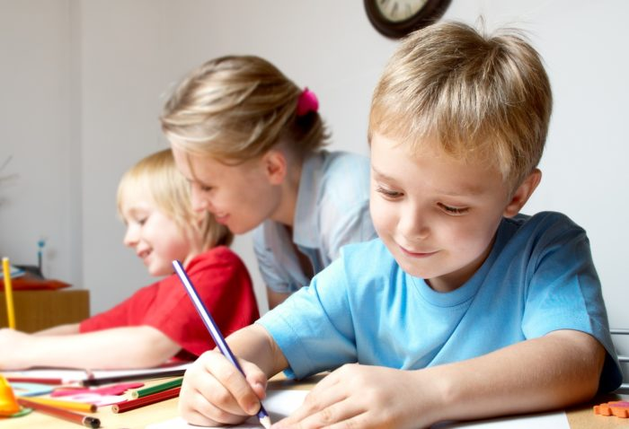 Психолог с детьми