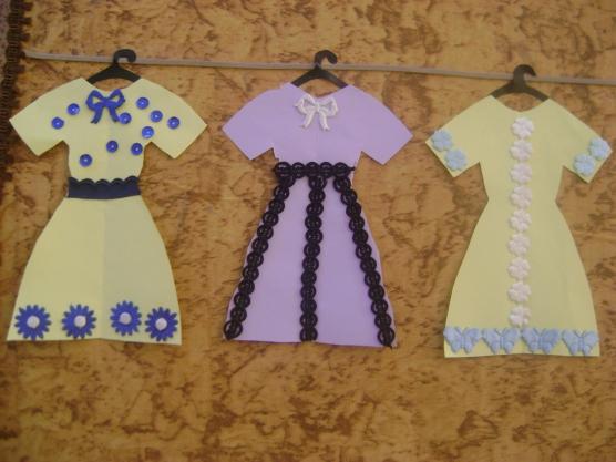 3 бумажных платья с тесьмой и пайетками