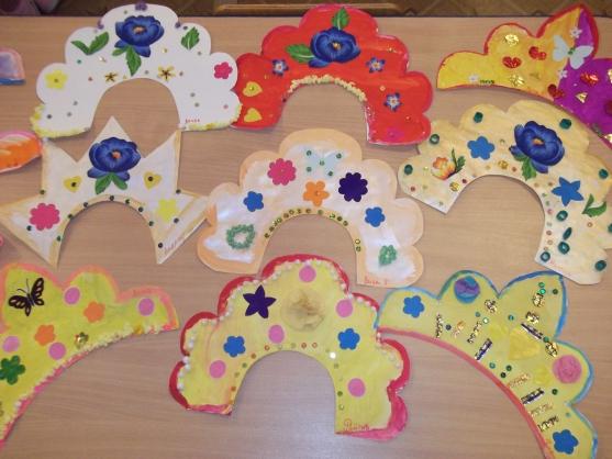 9 кокошников с пайетками, цветами-картинками и рисунками