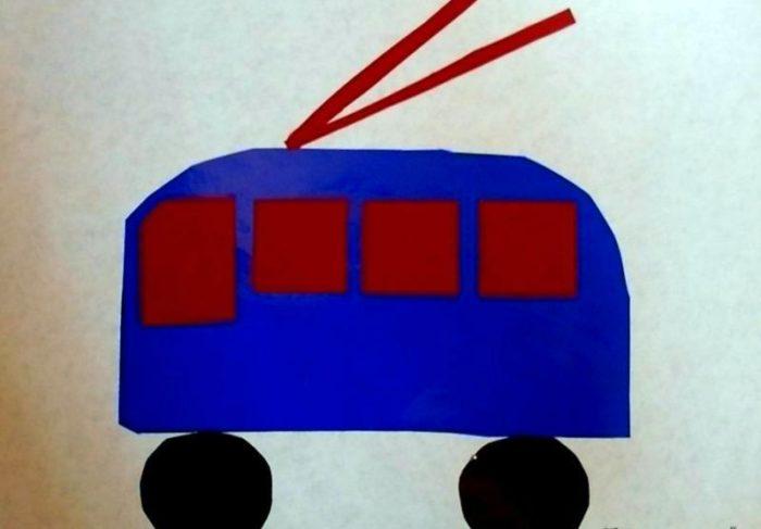 Аппликация синий троллейбус с красными окнами
