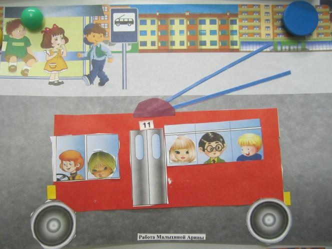 Коллаж из картинок автобуса и приклеинных токопроводов