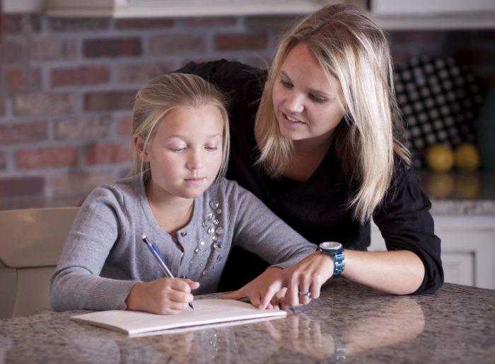Психолог работает с ребёнком
