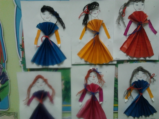 Платья вырезать из бумаги