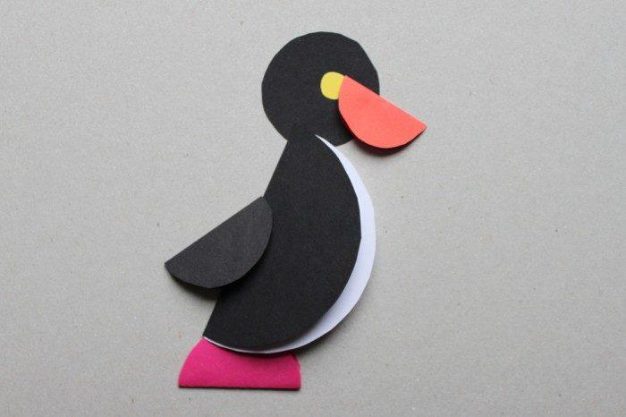 Пингвин из сложенных кругов