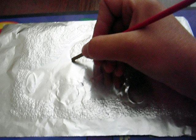 Рисунок без красок на фольге