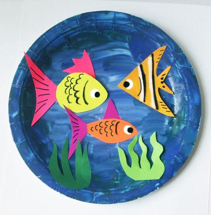 Рыбки в синем море