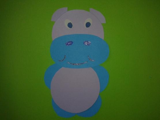 Серо-синий бегемот из бумаги