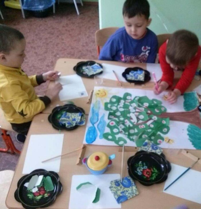 Дети в процессе творчества