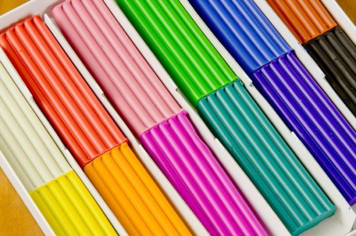 Разноцветные брусочки пластилина