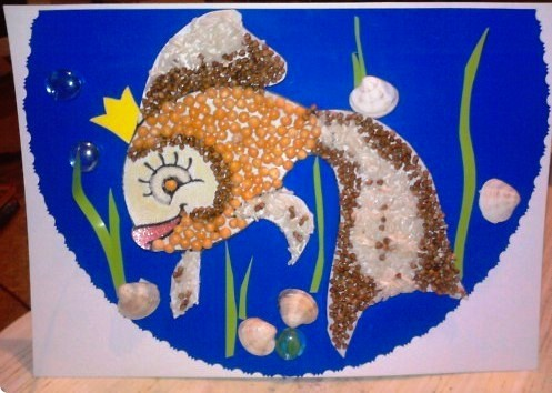Рыбка из гороха и гречки