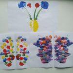 Бабочки из точек, нарисованные по приёму монотипии