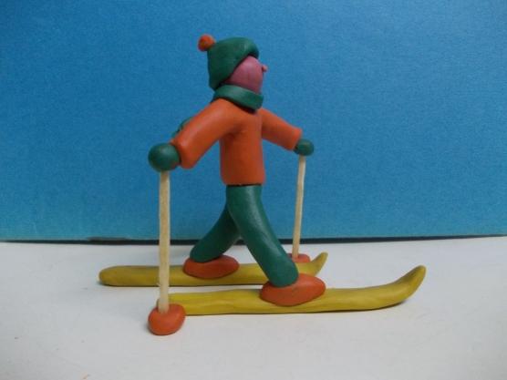 Готовая фигурка лыжника