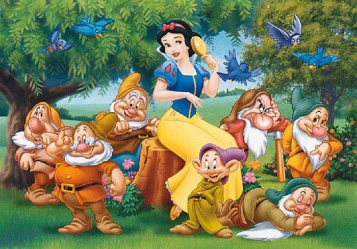 Картинка из диснеевского мультфильма про Белоснежку и 7 гномов