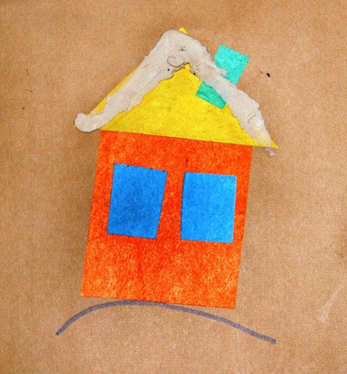 Оранжевый дом с синими окнами и жёлтой крышей из фетра