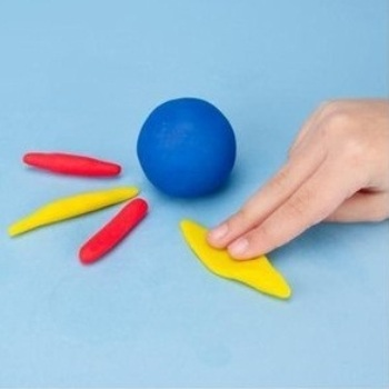 Синий шарик, 2 красные и 1 жёлтая колбаски, 1 жёлтый блинчик