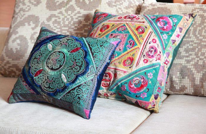 набор красивых подушек