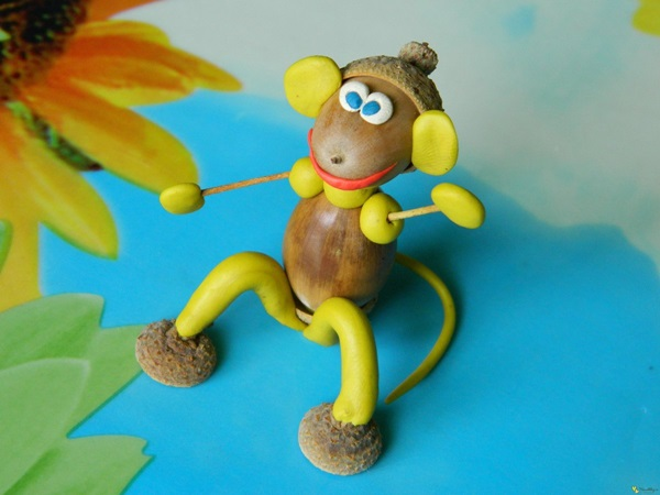 Весёлая обезьянка