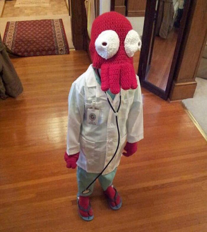 Ребёнок в костюме чудо-доктора