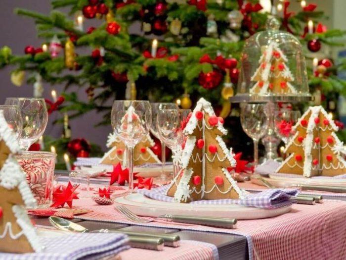 Идеи для украшения праздничного стола на Новый год