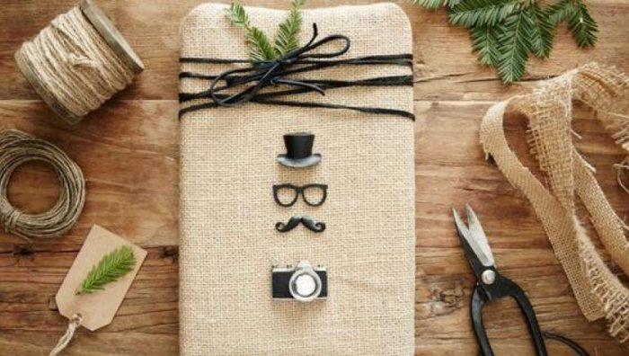 Красивая упаковка новогодних подарков − подручные материалы