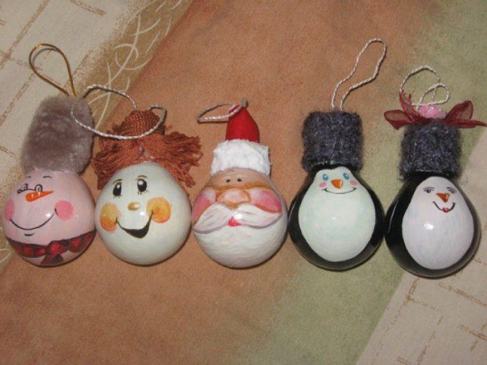 Самодельные ёлочные игрушки из яиц