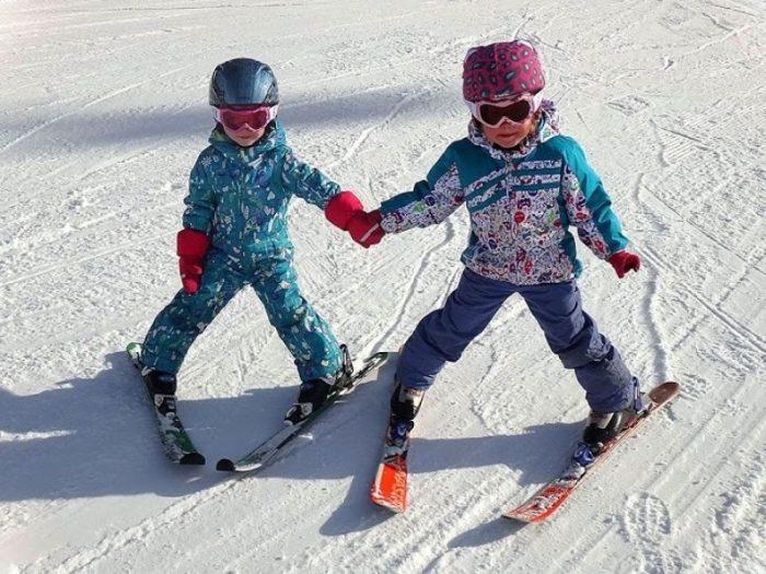 Ребёнок 8 лет на лыжах