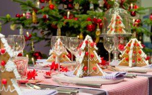 Как необычно украсить стол на Новый год