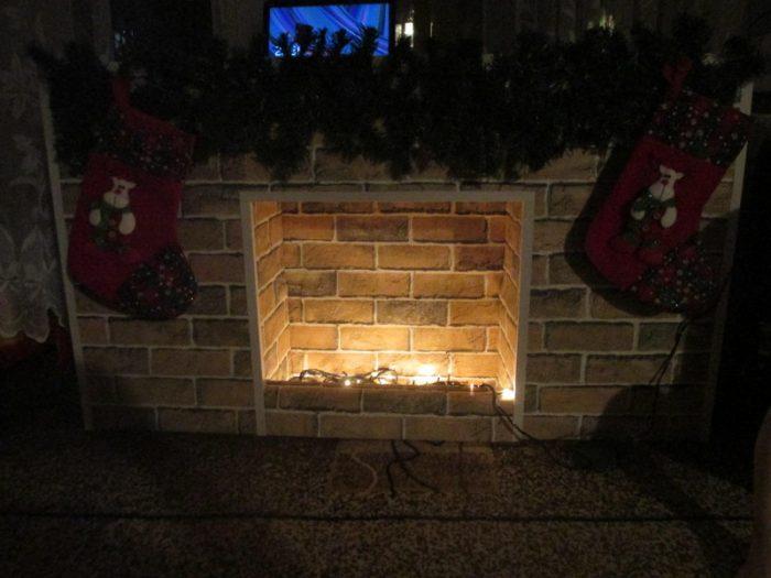 Самодельный новогодний камин