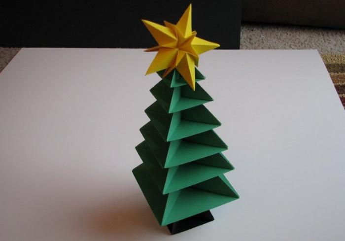 Поделки новогодние в технике оригами