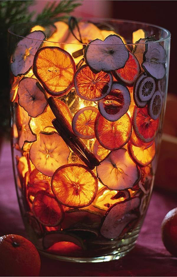 Украшение из сухих апельсинов