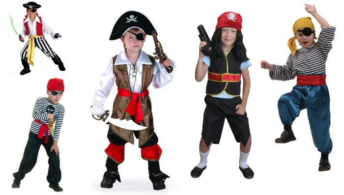 Дети в костюмах пиратов