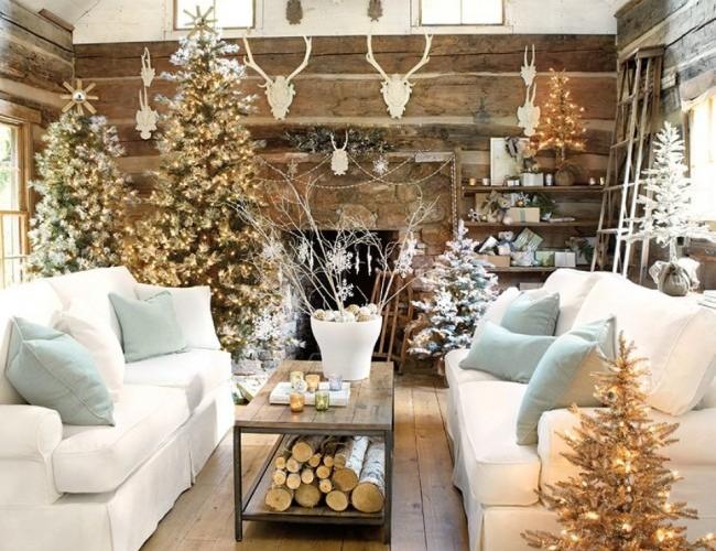 Украшение дома на Новый год в белых тонах