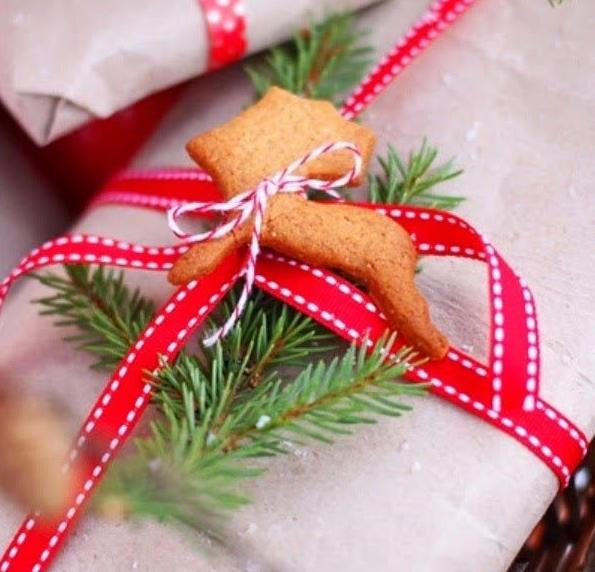 Красивая упаковка новогодних подарков − печенье