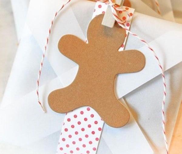 Красивая упаковка новогодних подарков − фигурка