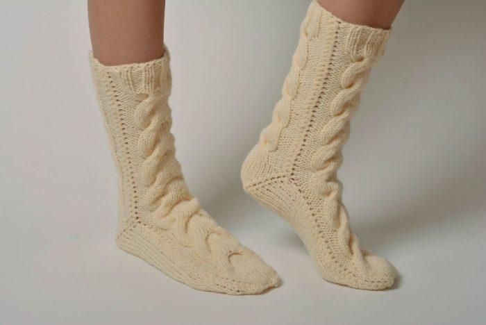 Интересные вязаные носки