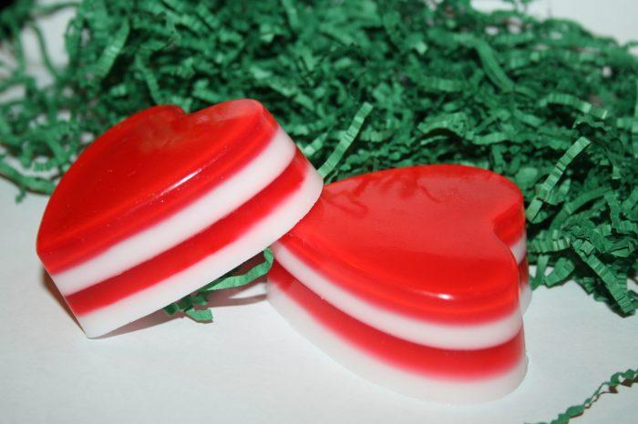 Слоёное мыло в виде сердечек
