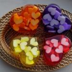 Мыло в виде разноцветных сердечек