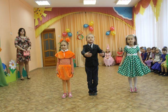 Детский танец на 8 марта