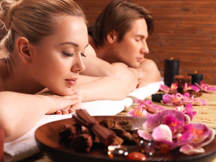 Мужчина и женщина в спа-салоне