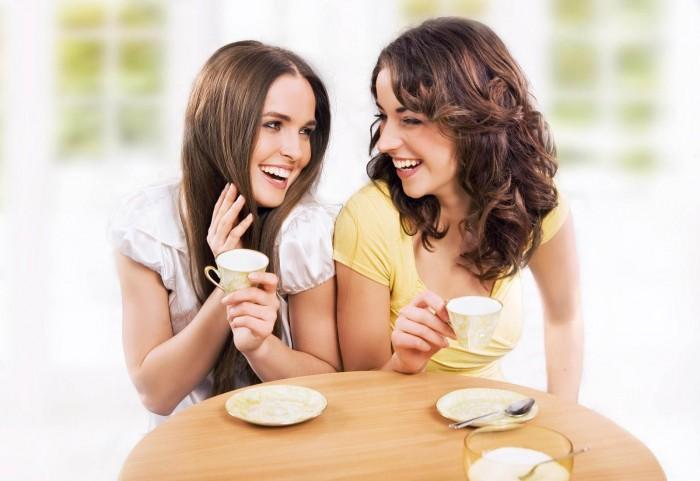 Девушки за чашечкой кофе